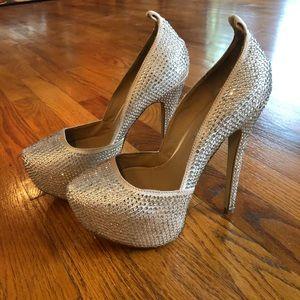Steve Madden jeweled platform Pump Shoes size 6